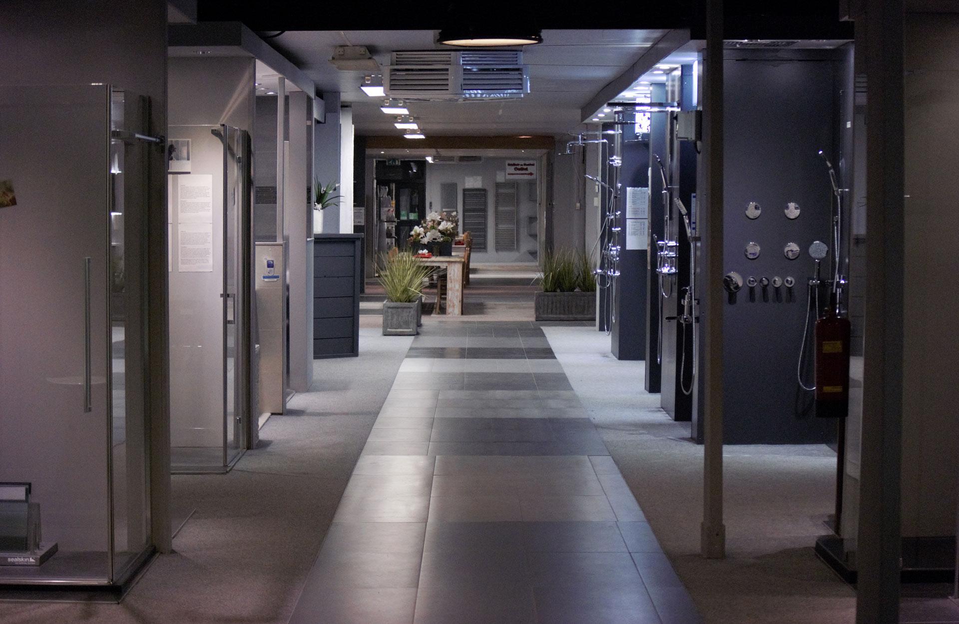 Badkamer Sanitair Maurik : Wat kost het renoveren van een complete badkamer hetknussehuisje