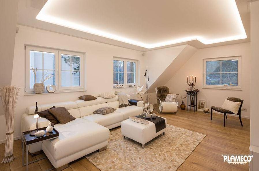 Een woonkamer plafond met vele voordelen: het spanplafond ...